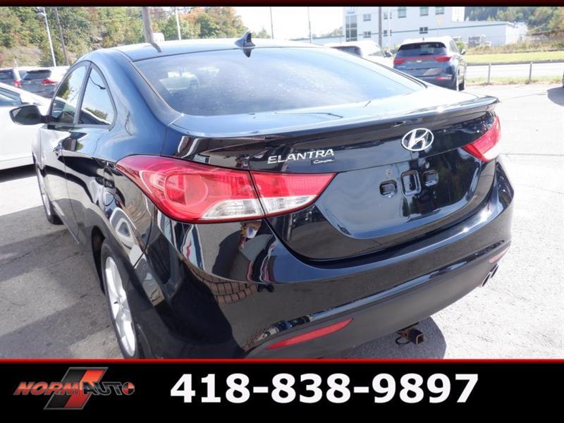 Hyundai Elantra Coupe 9