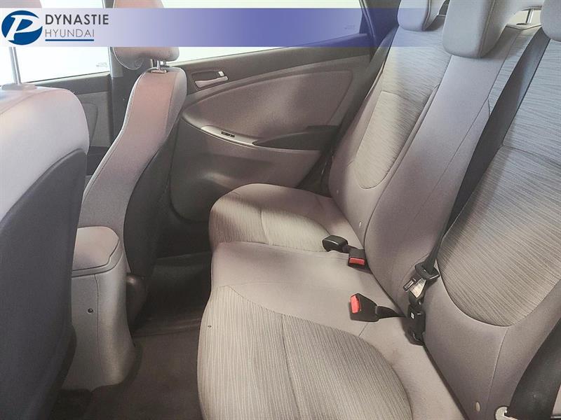 Hyundai Accent 11