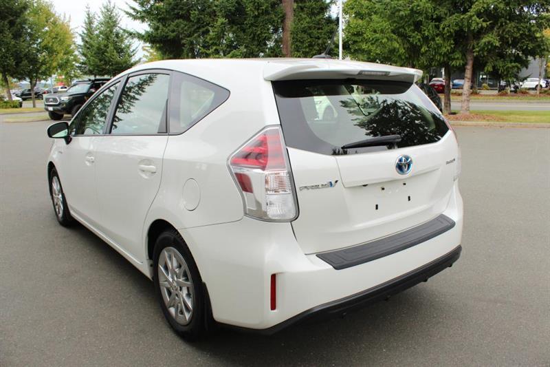toyota Prius V 2018 - 5