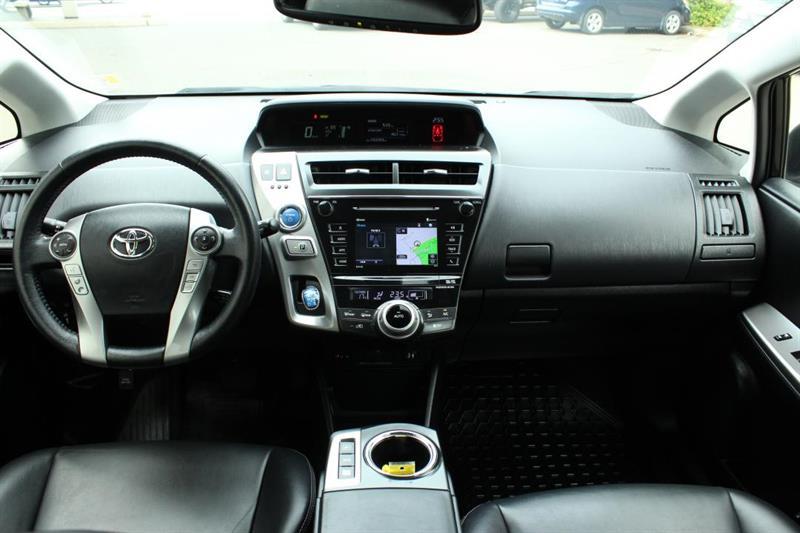 toyota Prius V 2018 - 9