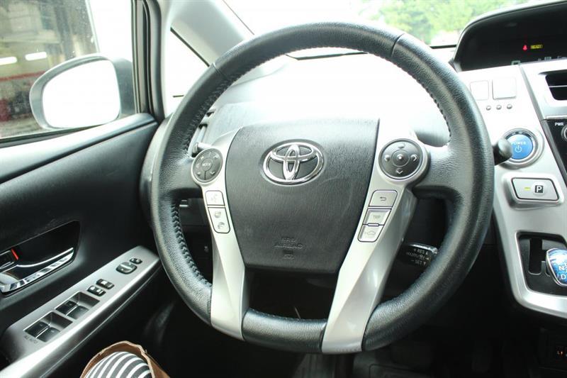 toyota Prius V 2018 - 10