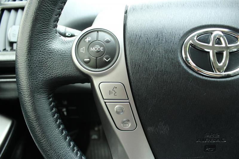 toyota Prius V 2018 - 11