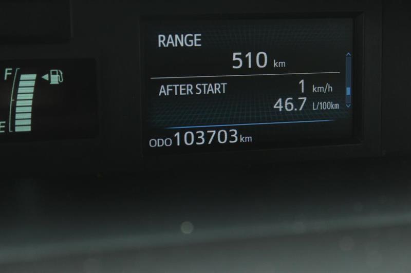 toyota Prius V 2018 - 14