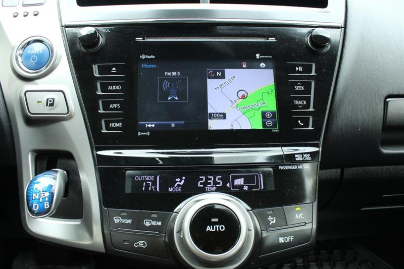 toyota Prius V 2018 - 16
