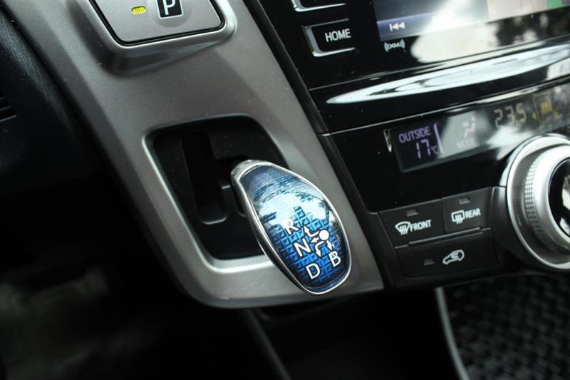 toyota Prius V 2018 - 19