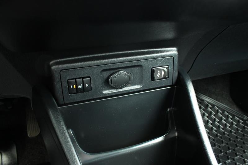 toyota Prius V 2018 - 20