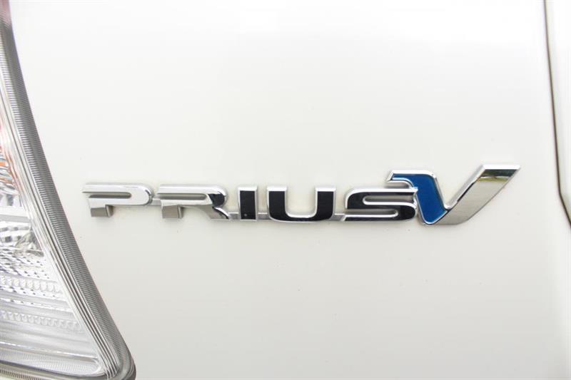 toyota Prius V 2018 - 36