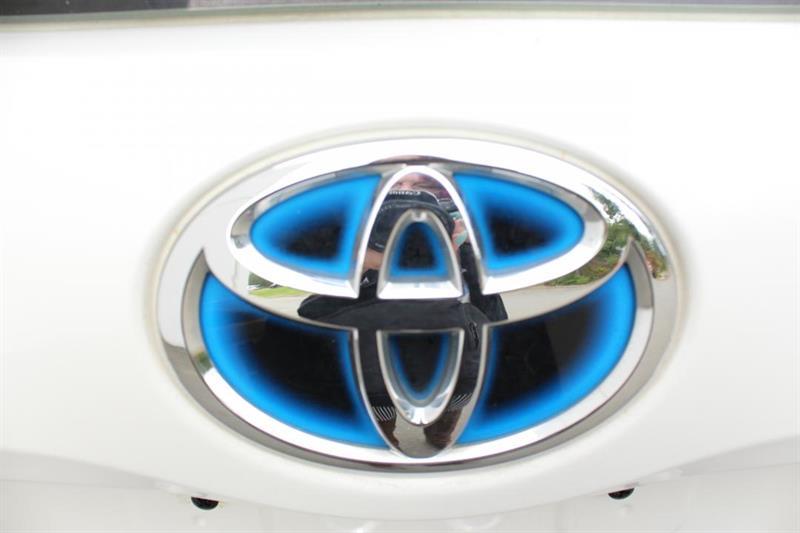 toyota Prius V 2018 - 37