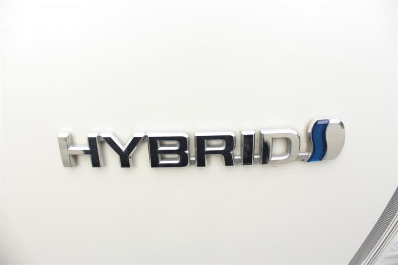 toyota Prius V 2018 - 38