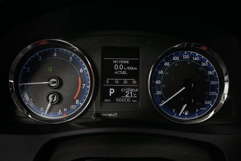 toyota Corolla 2017 - 13