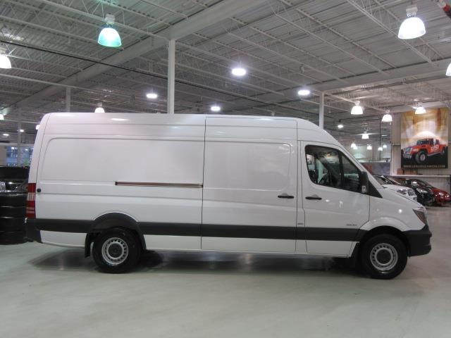 Mercedes benz sprinter cargo vans 2500 v6 170 high roof w for 2015 mercedes benz 2500 high roof