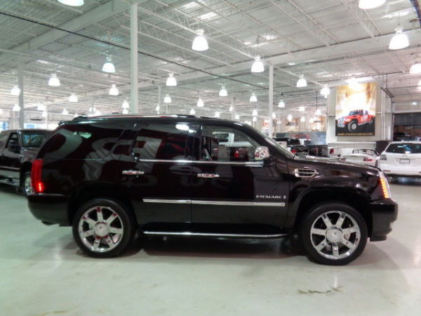 cadillac escalade ultra luxury gps tv dvd 2007 occasion vendre saint eustache chez le roi du. Black Bedroom Furniture Sets. Home Design Ideas