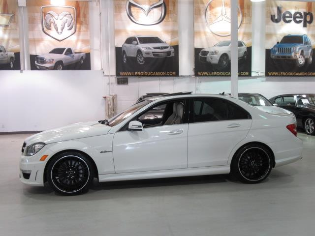 mercedes benz c63 amg c63 amg garantie 120 000km 2012. Black Bedroom Furniture Sets. Home Design Ideas