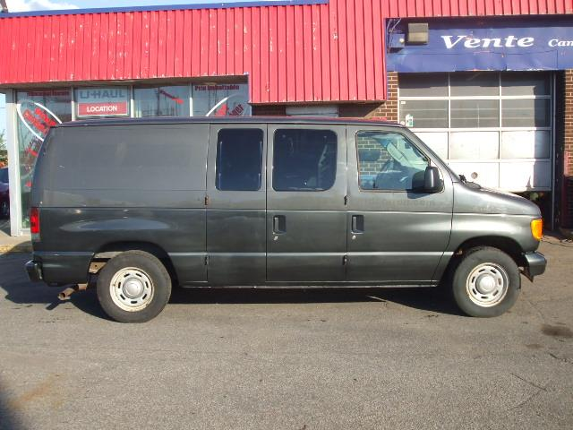 Ford Econoline Cargo Van 2004