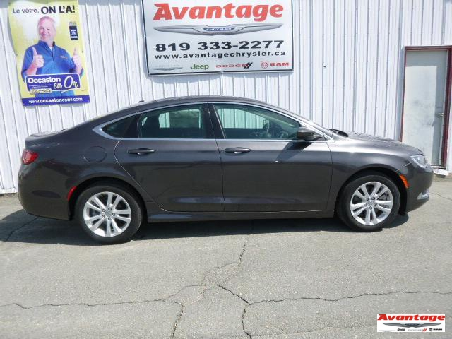 Chrysler 200 2015 Limited #35001A