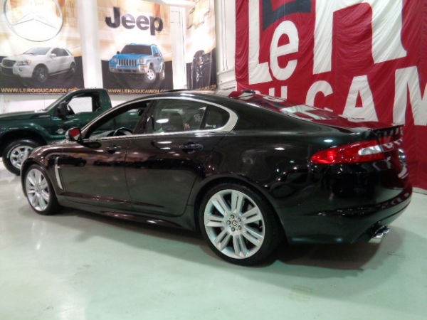 jaguar xf xfr 510 hp supercharged 2011 occasion vendre saint eustache chez le roi du camion. Black Bedroom Furniture Sets. Home Design Ideas
