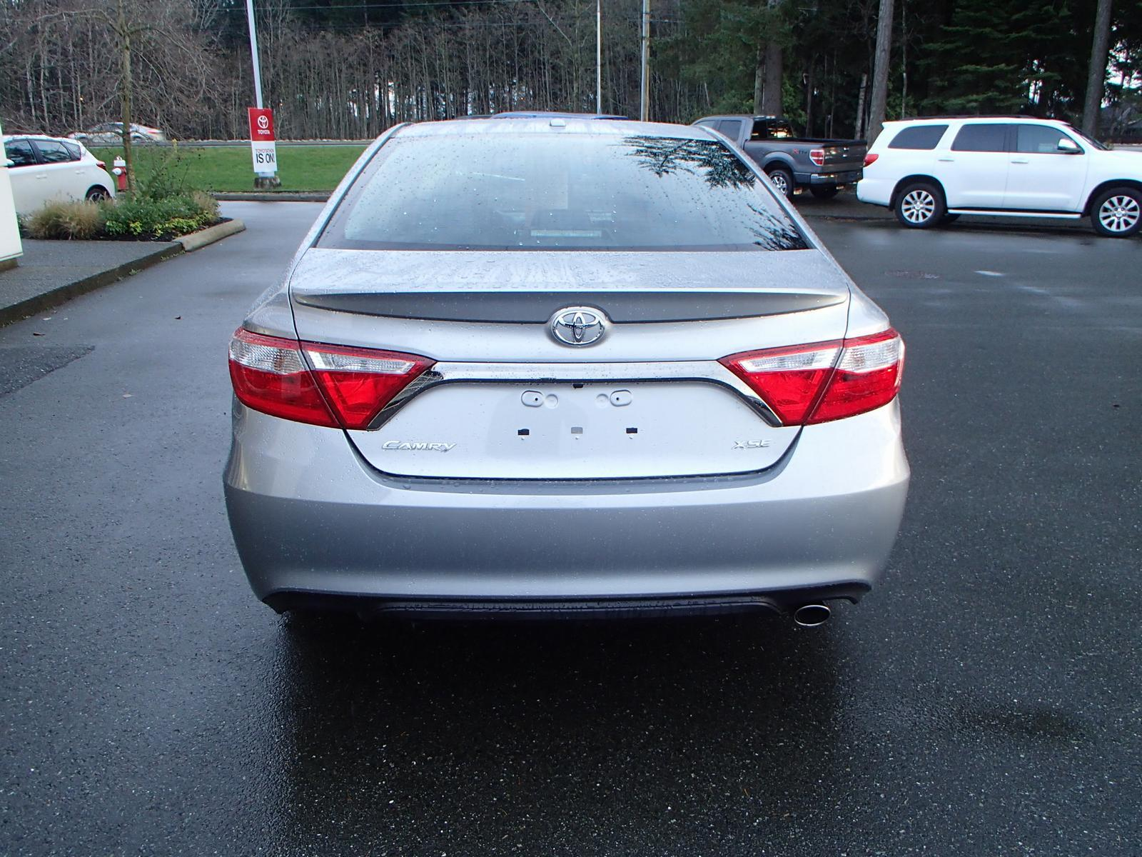 2016 toyota camry xse used for sale in courtenay at comox valley toyota. Black Bedroom Furniture Sets. Home Design Ideas
