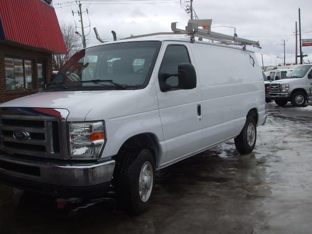 Ford Econoline Cargo Van 2009
