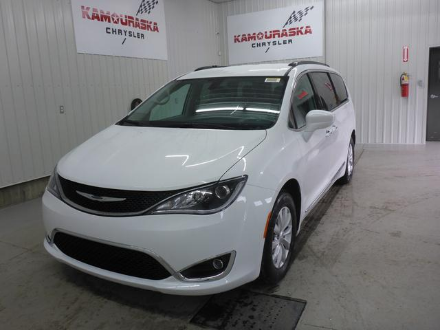 Chrysler Pacifica 2017 Touring-L #2017007