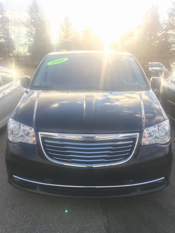 2016 Chrysler Town & Country Touring #MM695