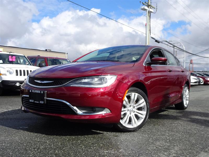 2016 Chrysler 200 Limited #17UP79