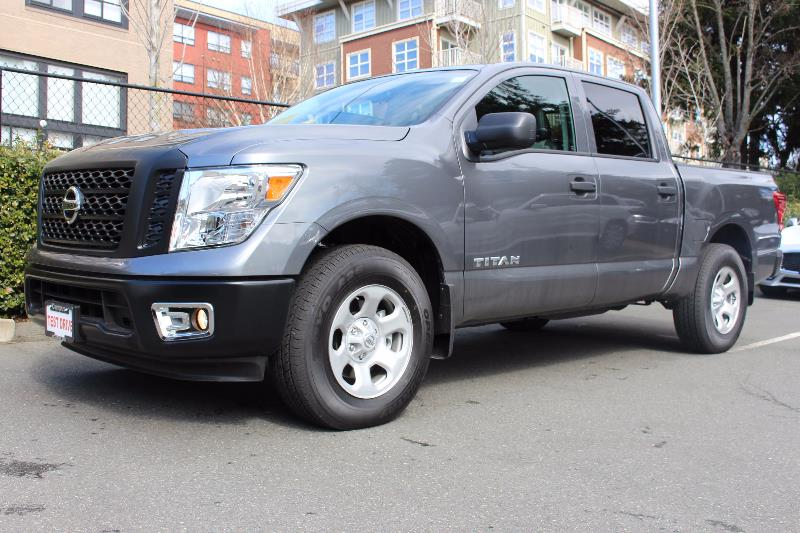 2017 nissan titan 4x4 crew cab s used for sale in victoria at campus acura. Black Bedroom Furniture Sets. Home Design Ideas