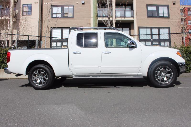 2017 nissan frontier 4wd crew cab sl used for sale in victoria at campus acura. Black Bedroom Furniture Sets. Home Design Ideas