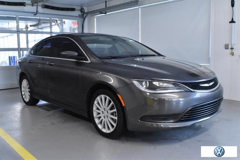 Chrysler 200 2015 LX #16820A