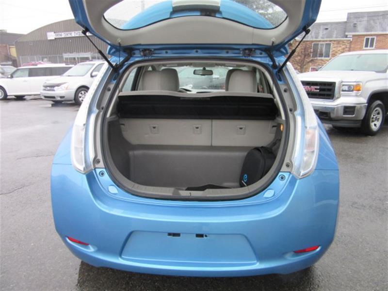 Nissan Leaf SV + Navigation, Clef Intelligente, Sièges
