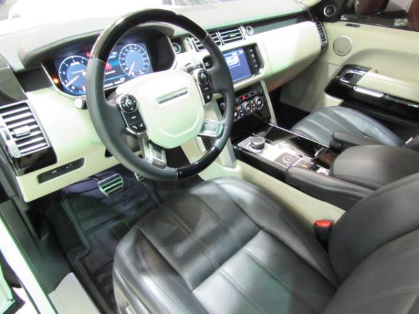land rover range rover supercharged tv dvd 2013 occasion vendre saint eustache chez le roi du. Black Bedroom Furniture Sets. Home Design Ideas