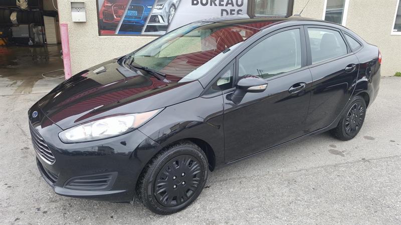 Ford Fiesta Sedan 2014 SE #5838