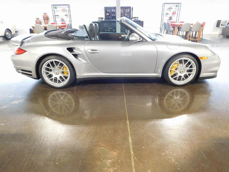 2011 porsche 911 turbo s convertible simply superb used for sale in montr al at automobiles. Black Bedroom Furniture Sets. Home Design Ideas