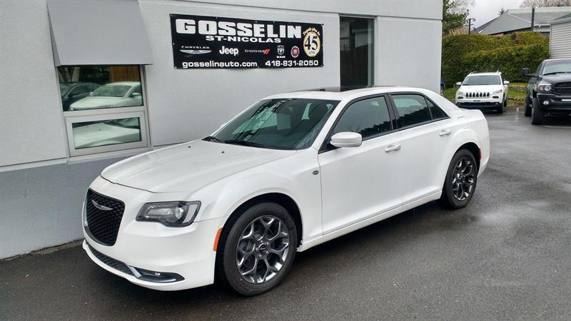 Chrysler 300 2015 S AWD #8341A