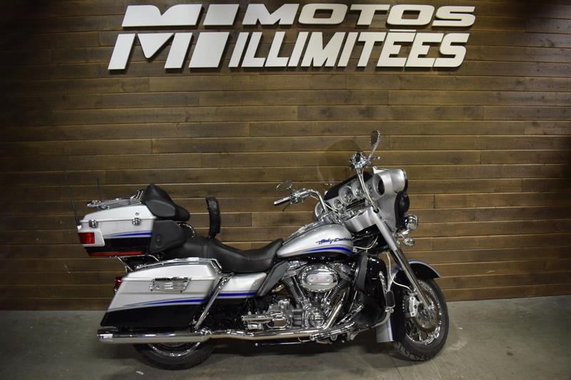 Harley Davidson FLHTCUSE CVO ULTRA ELECTRA  GLIDE 2009