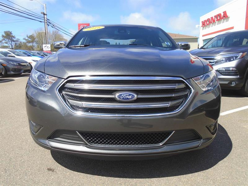 2016 ford taurus limited awd used for sale in summerside at centennial auto group. Black Bedroom Furniture Sets. Home Design Ideas
