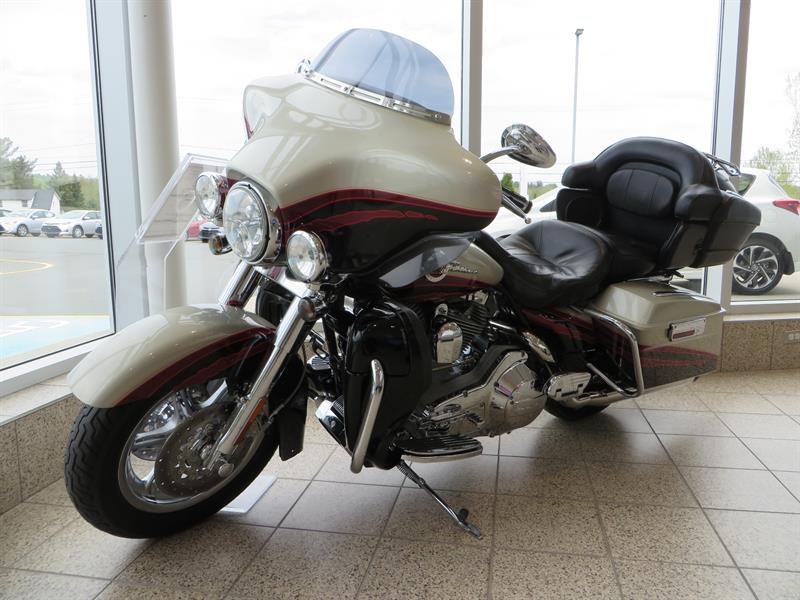 Harley Davidson FLHT 2006 SCREAMIN' EAGLE ULTRA CLASSIC ELECTRA GLIDE #U36883B