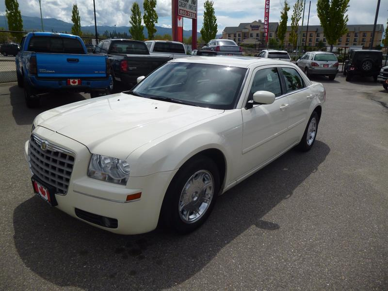 2005 Chrysler 300   #A7953