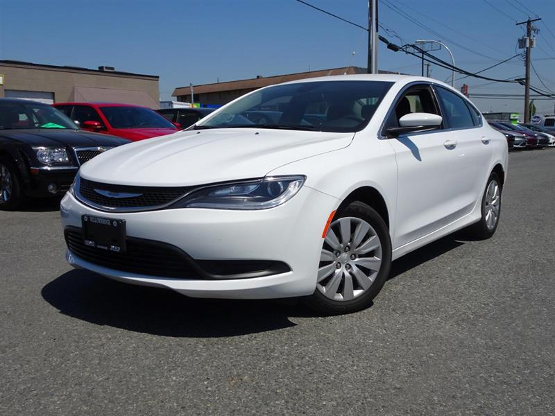 2015 Chrysler 200 LX #17UP120A