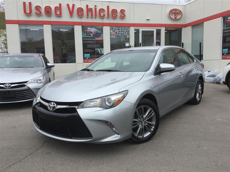 2015 Toyota Camry SE - Back up Cam / Alloys / Heated Front Seats #P6417