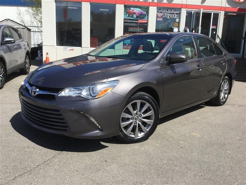 2015 Toyota Camry XLE, NAVI, LEATHER, SUNROOF, ALLOYS, HEATED SEATS #P6419