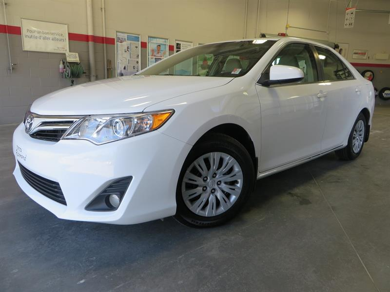 Toyota Camry 2014 LE Gr:A 4 CyL. *SEULEMENT 15900 KM* #U7581