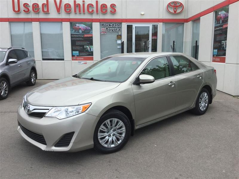 2014 Toyota Camry LE, Bluetooth, Camera, Power Trunk Release, Keyles #P6490