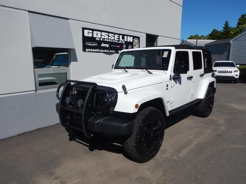 Jeep Wrangler Unlimited 2015 Sahara #D3967A