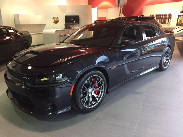 Dodge Charger 2017 4dr Sdn SRT 392 RWD #z17455