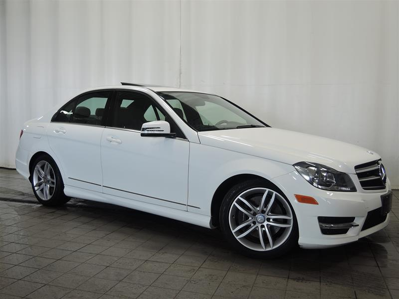 Mercedes-Benz C300 2014 4MATIC Sedan CERTIFIÉ 0.9% #U17-219