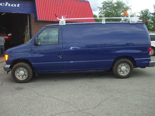 Ford Econoline Cargo Van 2005