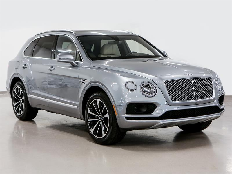 bentley bentayga w12 2017 occasion vendre montr al chez decarie signature. Black Bedroom Furniture Sets. Home Design Ideas