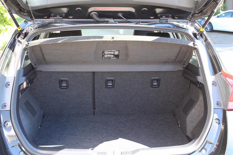 Toyota Corolla iM 13