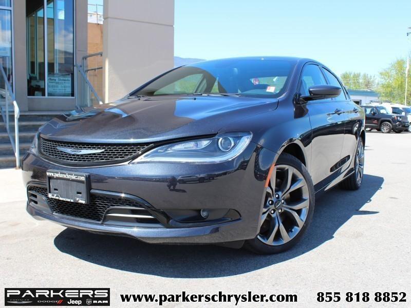 2016 Chrysler 200 Limited #P0044