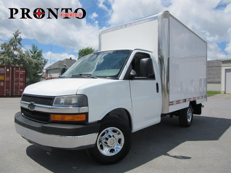 Chevrolet Express Commercial Cutaway 2010 3500 Cube 12 pieds ** Rampe ** #3398